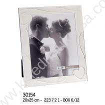 рамка с орнаменти сърчица за сватба